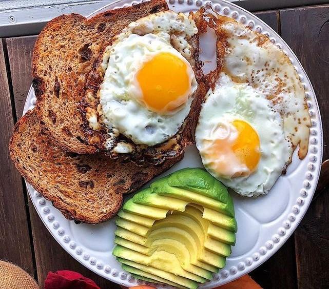 Tomar o pequeno-almoço reduz em 50% o risco de sofrer de obesidade 1