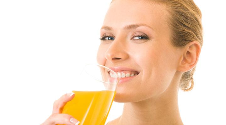 beber líquidos durante a refeição