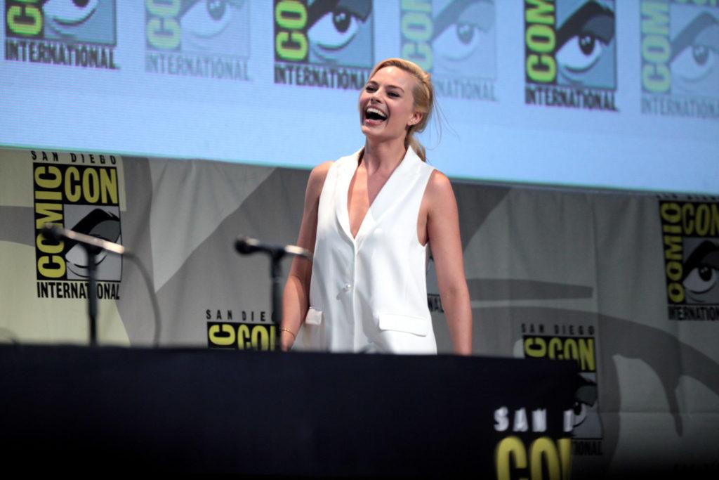 celebridades: Henry Cavill, Daniel Craig e Margot Robbie - Treino Das Celebridades